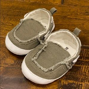 Old Navy Infant Shoes 3-6 mos Green White Slip On